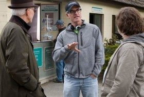 David Frankel talks to Steve Martin and Jack Black while working on the movie, The Big Year.