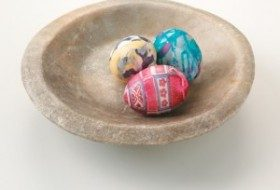 5 Recycled Alternatives to Easter Egg Grass