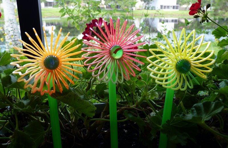 Slinky Flower Pot Stakes