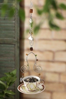 DIY Teacip Bird Feeder