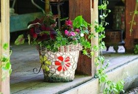 How to Decorate Flower Pots with Mosaic Tiles
