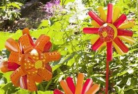 Plastic Bottle Crafts: Garden Flowers