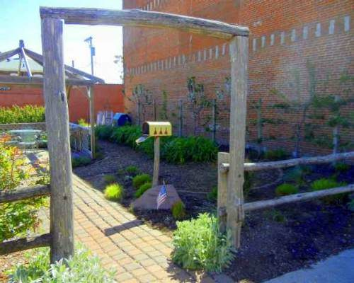 Demonstration_Garden_Hannibal_Missouri
