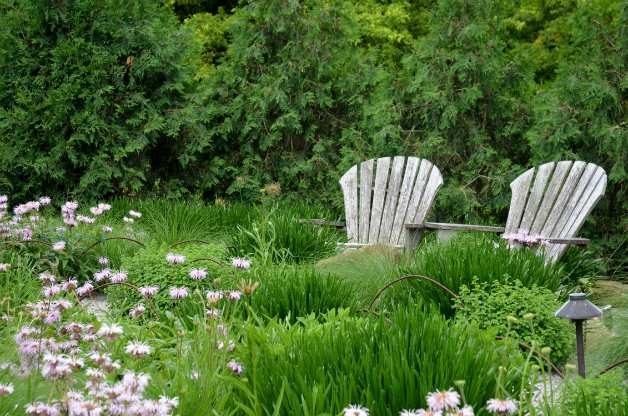 Beautiful Backyard Garden Seating