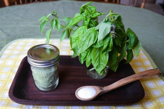 Ingredients for basil salt
