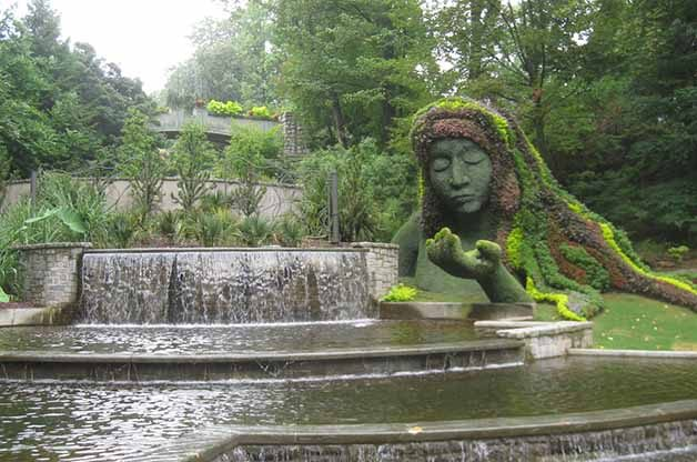 This was one of the most impressive sculptures at the botanical gardens. It's called Earth Goddess.