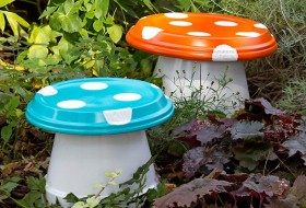 DIY Garden ­Mushrooms