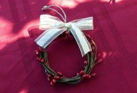 Berry Wreath Napkin Ring Ornament