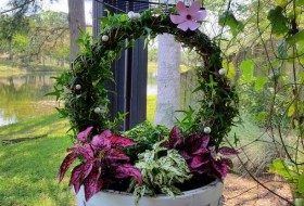 DIY Living Wreath Container Garden