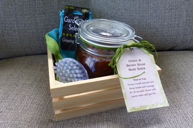 DIY Sugar Scrub Gift for Gardeners