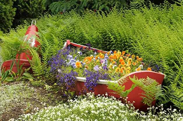 5 Creative Ideas For Raised Garden Beds Birds And Blooms