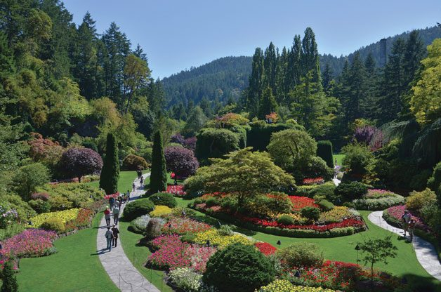 Gardens In The Pacific Northwest | Birds & Blooms