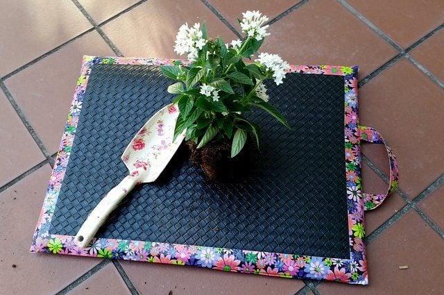 Easy DIY Garden Kneeling Pad DIY Garden Projects