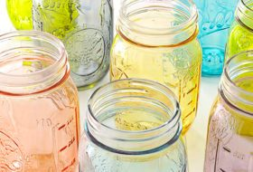 Dye-Your-Own Pretty Pastel Mason Jars for Spring