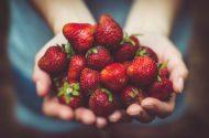 4 Super Sweet Berries You Can Grow in Pots