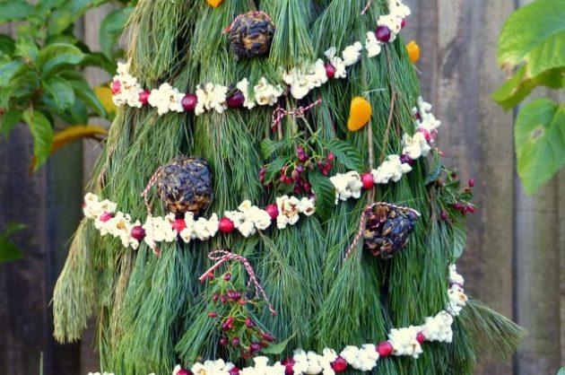 Tomato Cage Christmas Tree 2