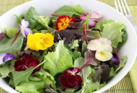 How to Use Edible Flowers from Your Garden