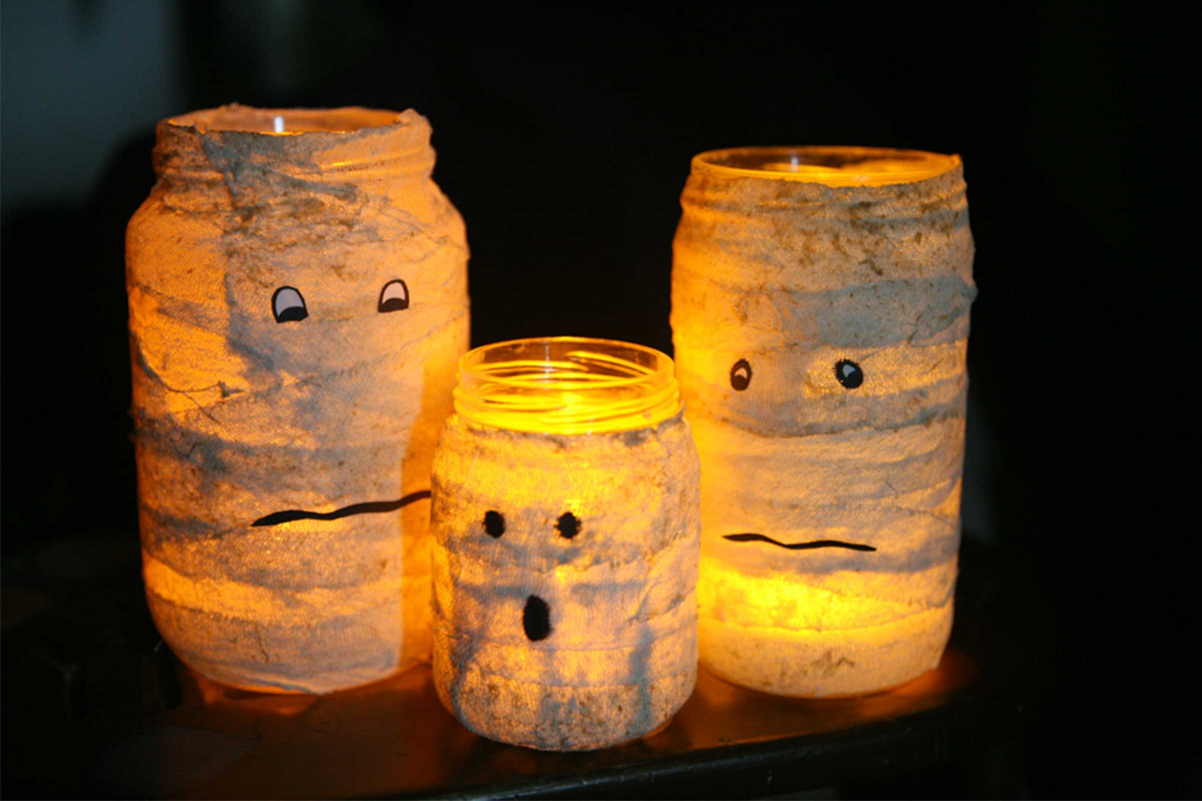 04-kids-halloween-crafts-mummy-candle