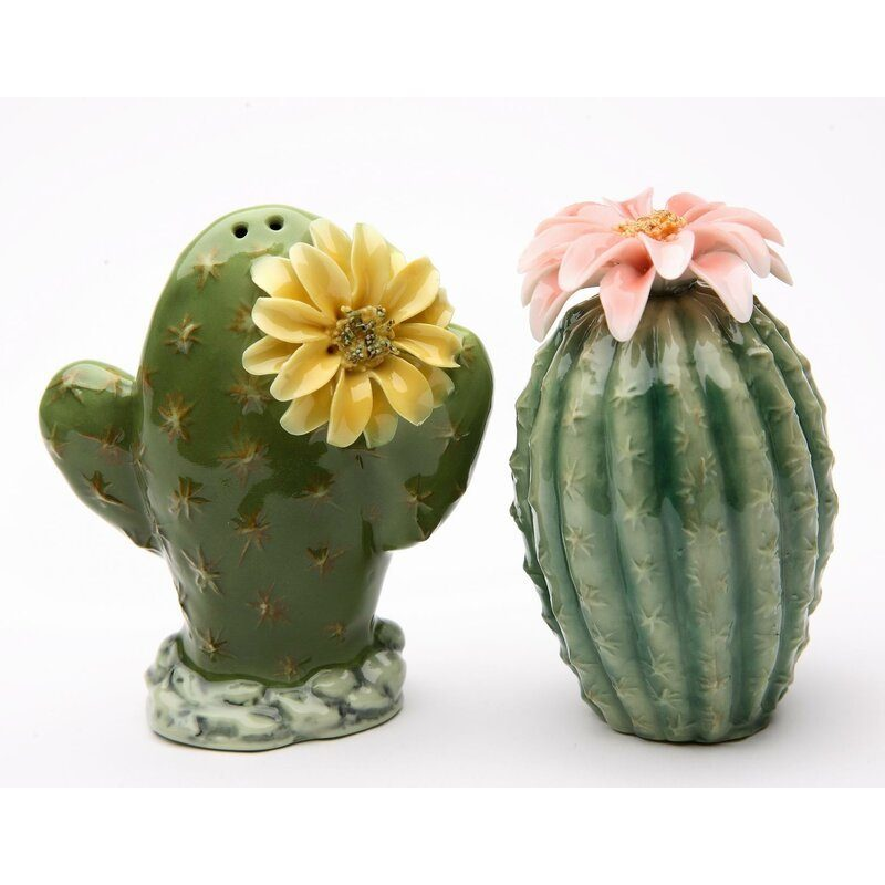 cactus salt and pepper shakers