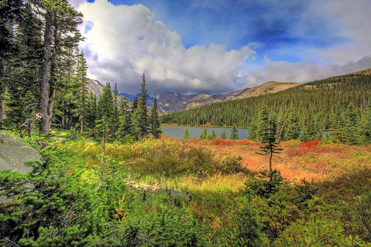 Brainard Lake in autumn, scenic drive