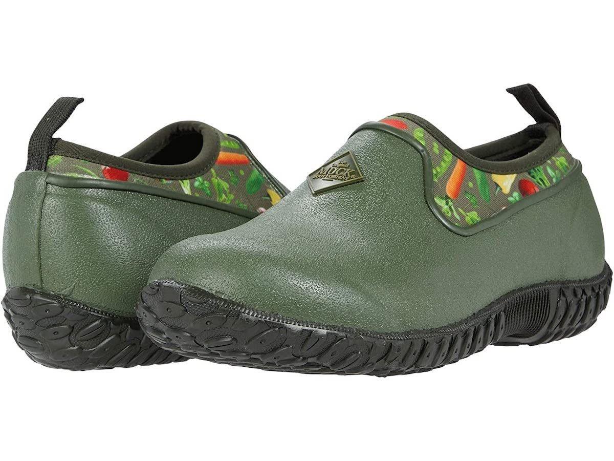 muckboots gardening shoes