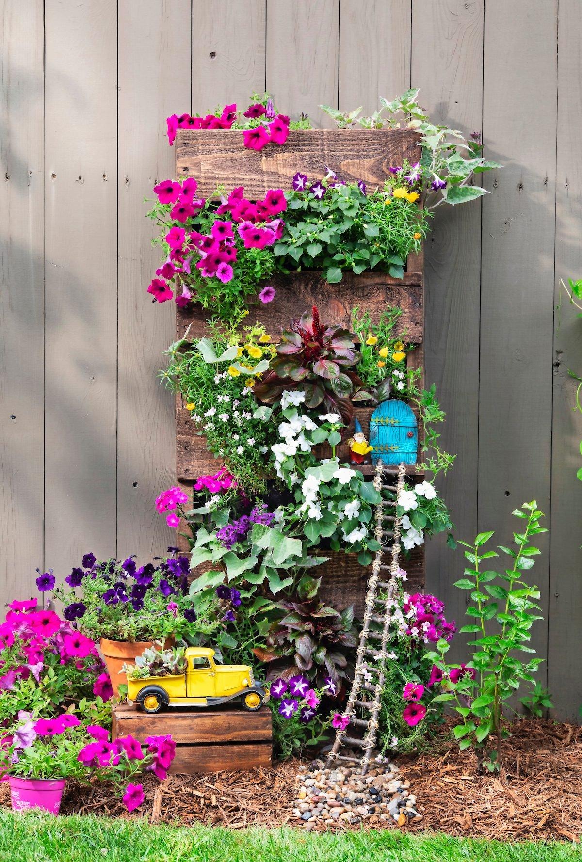 vertical pallet garden